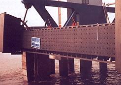 Tấm đỡ cầu cảng